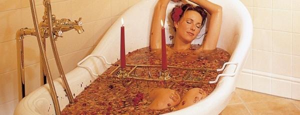 Un bain aux huiles essentielles pour vite trouver le sommeil ?