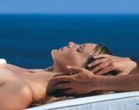 Massage ou diffusion ? Les huiles essentielles pour dormir