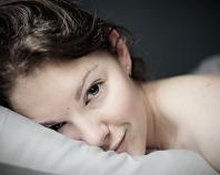 Confidences sur l'oreiller cervical de voyage à mémoire