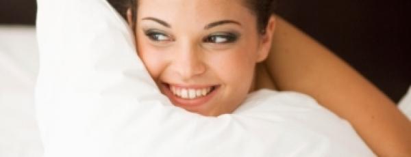 Un bon oreiller, quel impact sur le mal de dos ? L'avis de l'ostéo