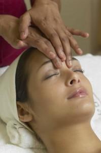 Massage d'huile essentielles pour dormir